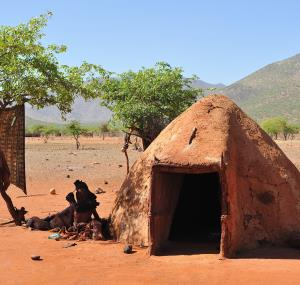 Himba hutje Namibie