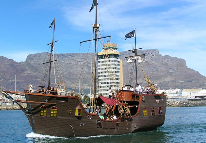 Jolly Roger piratenschip in Kaapstad