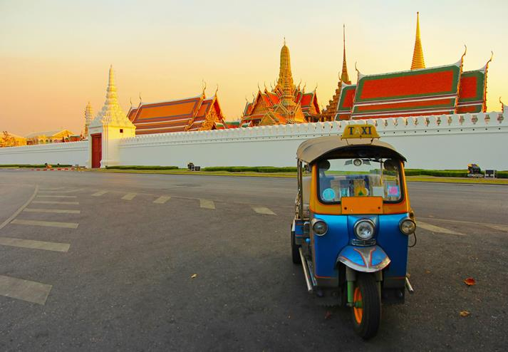 Tuk Tuk voor royal palace in Bangkok
