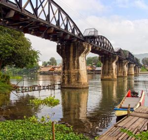 Brug over River Kwai in Kanchanaburi