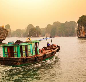 Boottocht Halong Bay bij schemering