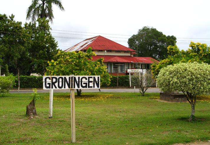 Groningen bord in Suriname