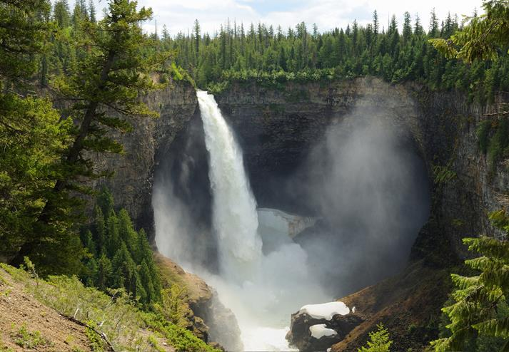De Helmcken waterval in Wells Gray Provincial Park