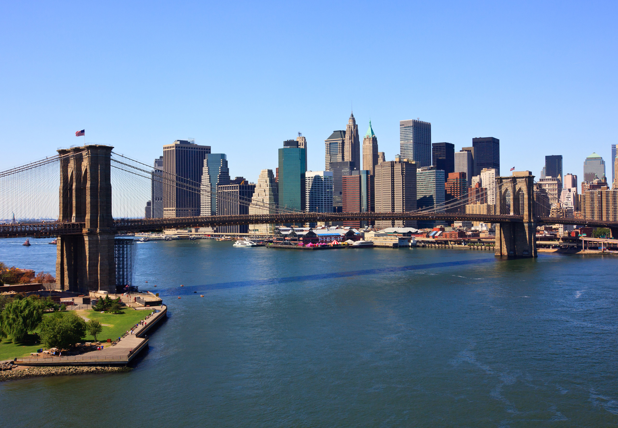 us_nyc_skyline_brooklyn_bridge_b